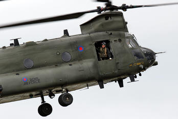 ZA714 - Royal Air Force Boeing Chinook HC.2