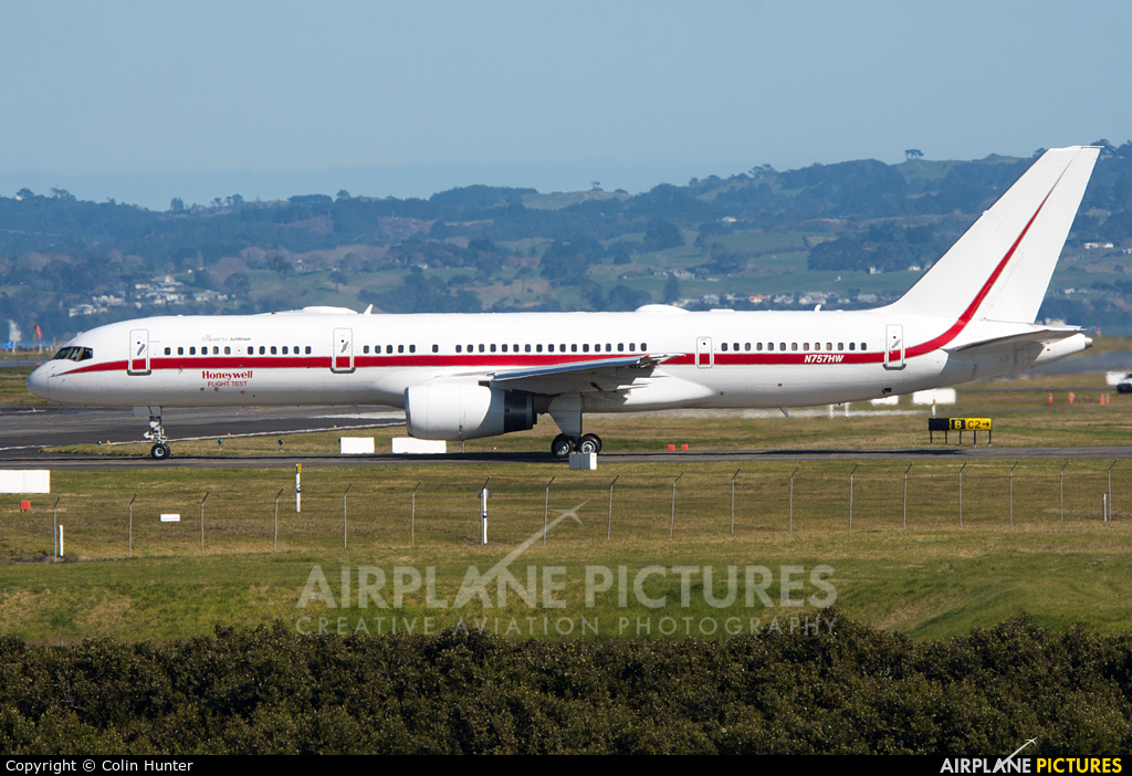 Honeywell Aviation Services N757HW aircraft at Auckland Intl