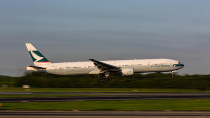 B-HNM - Cathay Pacific Boeing 777-300