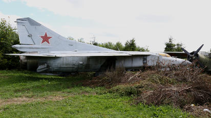 001 - Poland - Air Force Mikoyan-Gurevich MiG-23MF