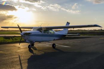 LV-JTF - Private Cessna 210 Centurion