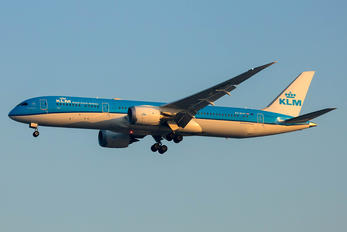 PH-BHA - KLM Boeing 787-9 Dreamliner