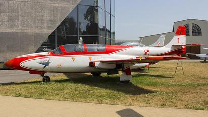 730/1 - Poland - Air Force PZL TS-11 Iskra