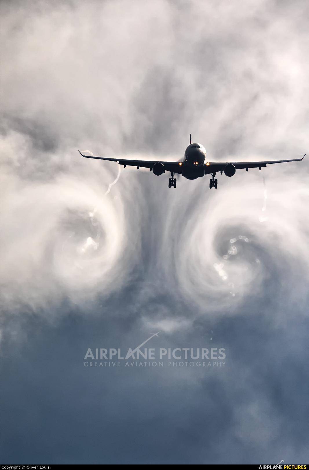 Delta Air Lines N858NW aircraft at Frankfurt