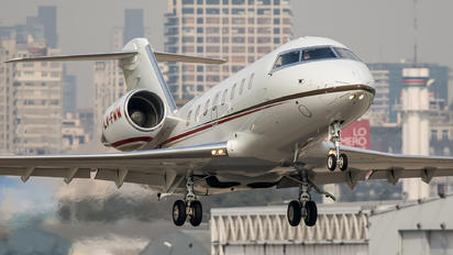 LV-FWW - Private Bombardier Challenger 605