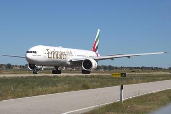 A6-EGZ - Emirates Airlines Boeing 777-300ER