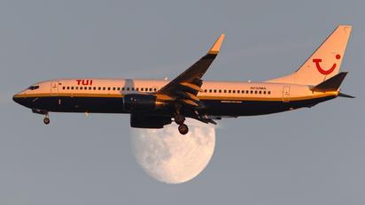 N732MA - Miami Air Boeing 737-800