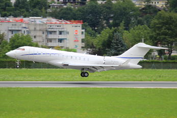 M-NAME - Private Bombardier BD-700 Global 6000