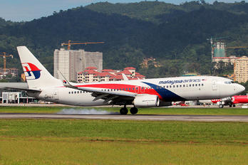 9M-MLU - Malaysia Airlines Boeing 737-800