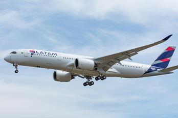 F-WZGR - LATAM Airbus A350-900