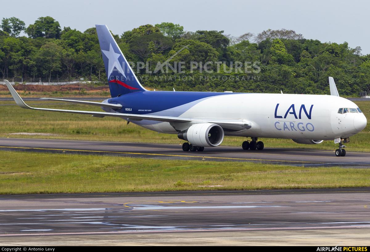 LAN Cargo N524LA aircraft at Manaus - Eduardo Gomes