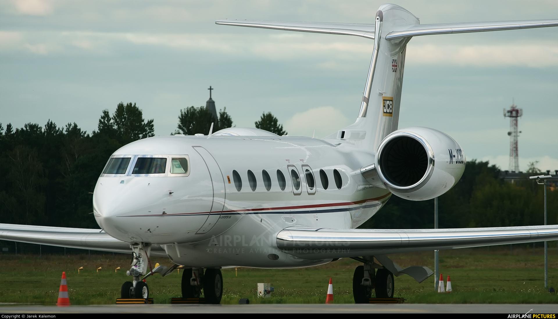 Private M-JCBB aircraft at Bydgoszcz - Szwederowo