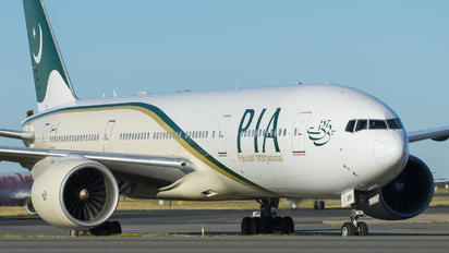 AP-BMH - PIA - Pakistan International Airlines Boeing 777-200ER