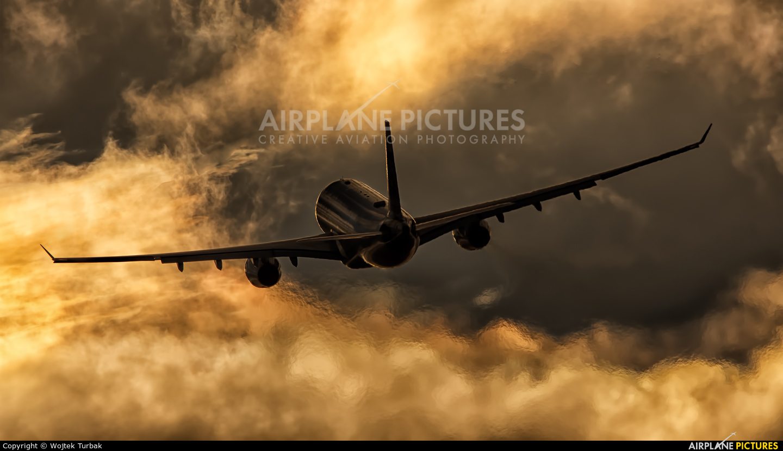 Etihad Airways A6-EYN aircraft at Dublin