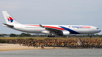 9M-MTL - Malaysia Airlines Airbus A330-300