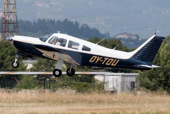 OY-TOU - Private Piper PA-28 Cherokee