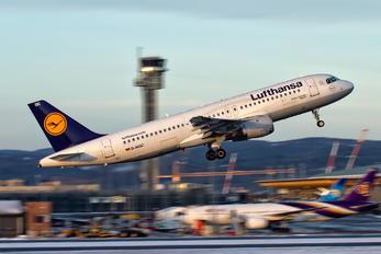 D-AIQC - Lufthansa Airbus A320