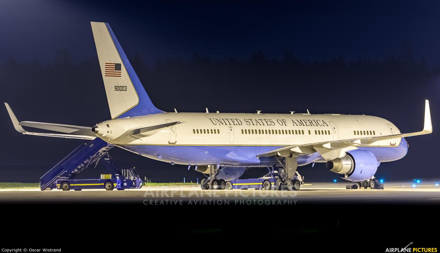 USA - Air Force 99-0003 aircraft at Stockholm - Arlanda