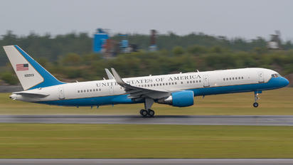 99-0003 - USA - Air Force Boeing C-32A