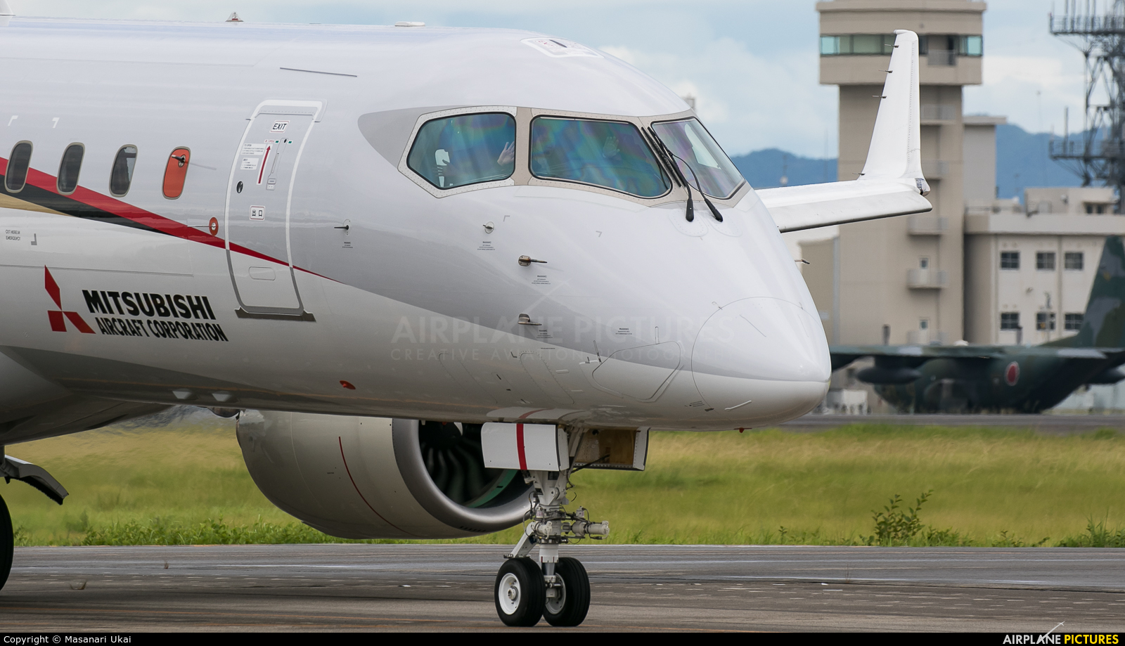 Airline pilot central forums will the mrj fly at skywest for Http pictures