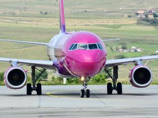 HA-LYD - Wizz Air Airbus A320