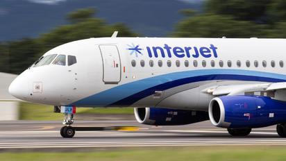 XA-JLP - Interjet Sukhoi Superjet 100