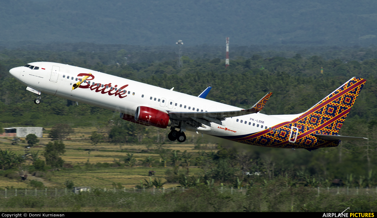 Batik air photos airplane pictures pk lbm batik air boeing 737 900 stopboris Image collections