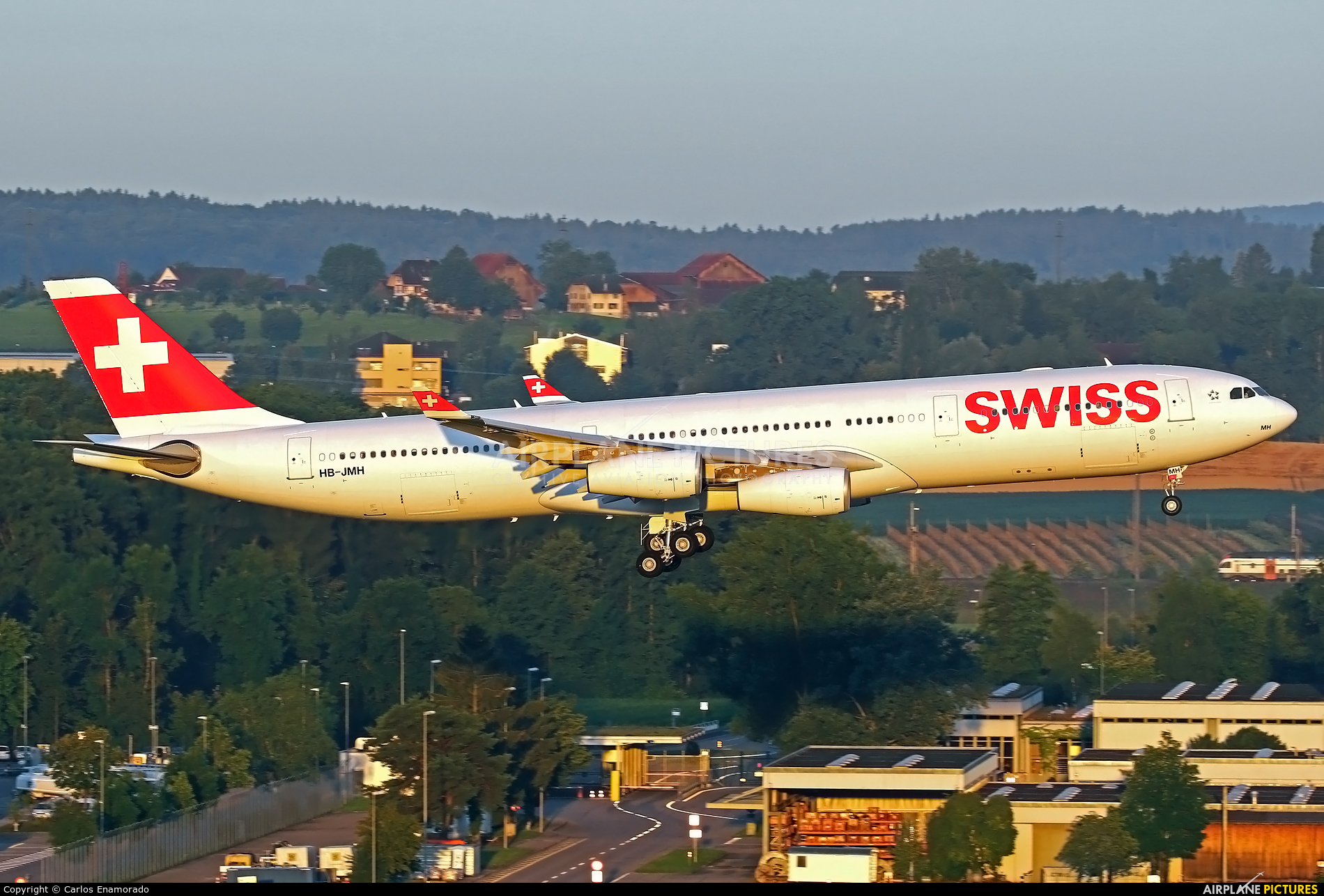 Swiss HB-JMH aircraft at Zurich