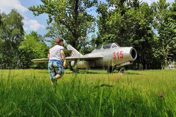 315 - Poland - Air Force Mikoyan-Gurevich MiG-15 UTI