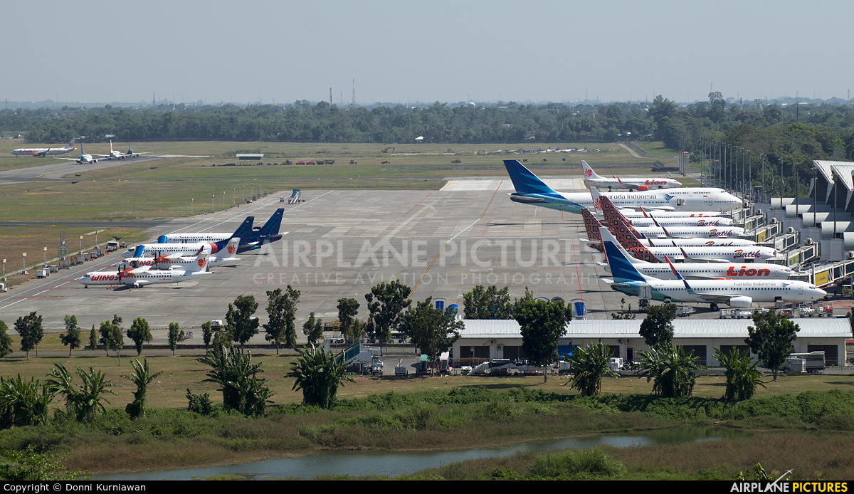 - Airport Overview - aircraft at Sultan Hasanuddin Int'l Airport Makassar