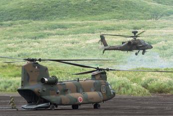 - - Japan - Ground Self Defense Force Kawasaki CH-47J Chinook