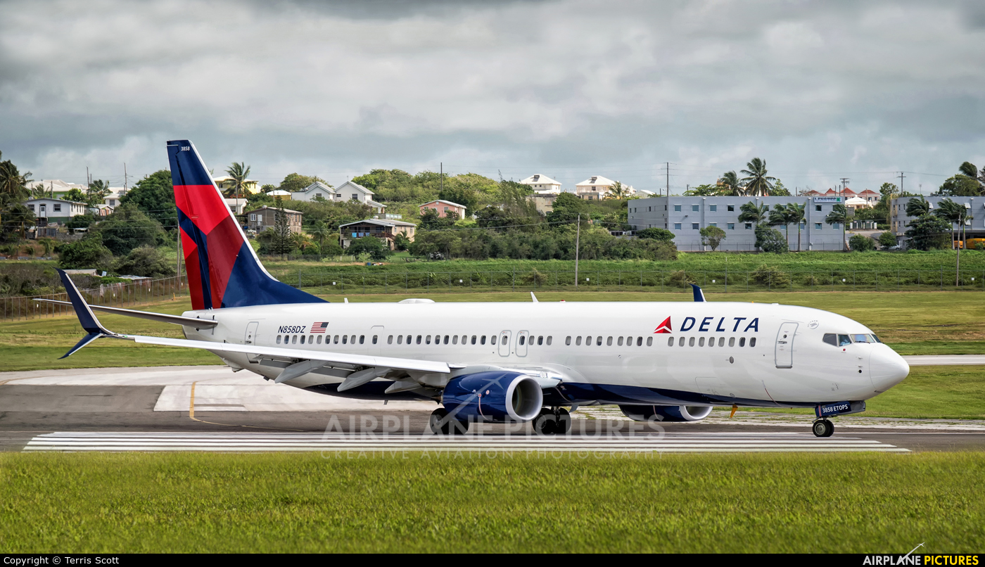 Delta Air Lines N858DZ aircraft at Bridgetown