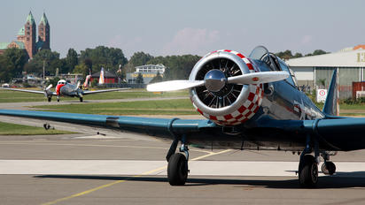 N3972E - Private North American Harvard/Texan (AT-6, 16, SNJ series)