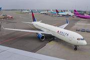 N199DN - Delta Air Lines Boeing 767-300ER aircraft