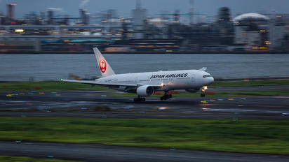 JA8978 - JAL - Japan Airlines Boeing 777-200