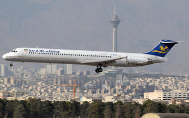 EP-MDG - Iran Air Tours McDonnell Douglas MD-82