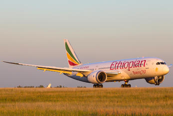 ET-ADT - Ethiopian Airlines Boeing 787-8 Dreamliner
