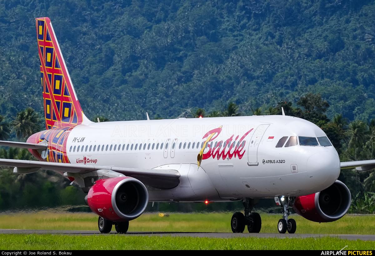 Batik Air PK-LAM aircraft at Sam Ratulangi Intl