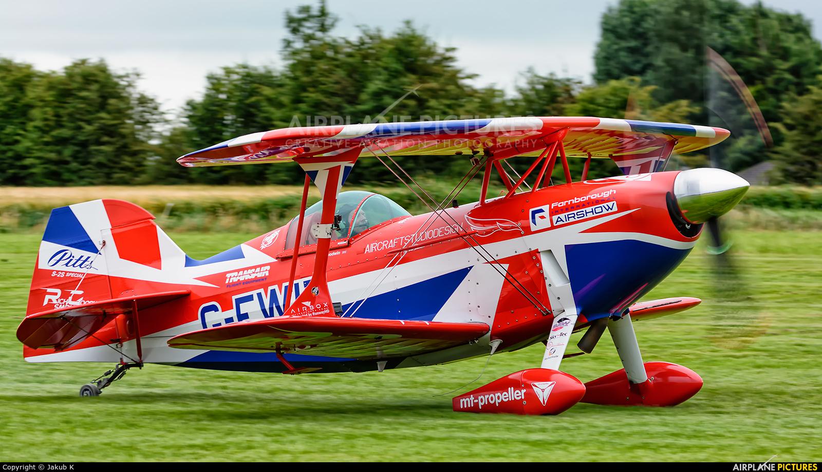 Rich Goodwin Airshows G-EWIZ aircraft at Birr
