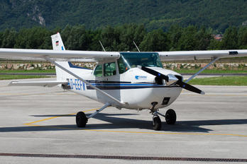 D-EEFW - Private Cessna 172 Skyhawk (all models except RG)
