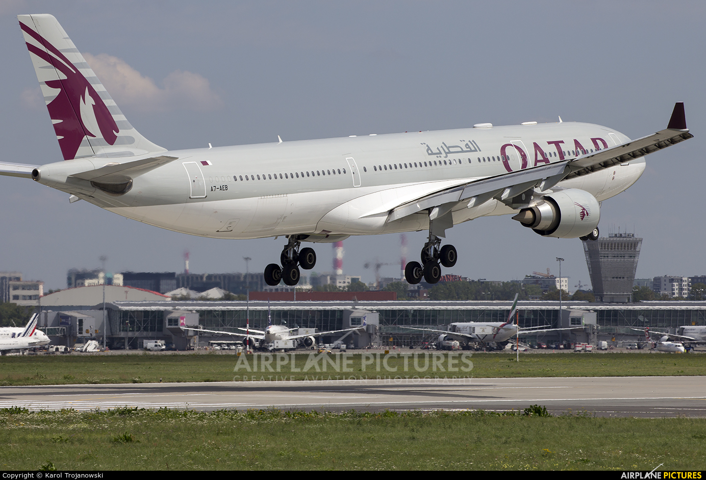 Qatar Airways A7-AEB aircraft at Warsaw - Frederic Chopin