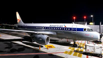 N745VJ - American Airlines Airbus A319