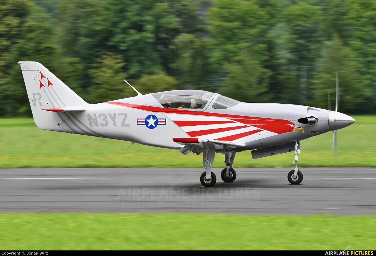 Private N3YZ aircraft at Mollis