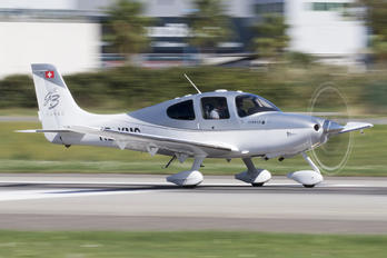 HB-KMC - Private Cirrus SR22