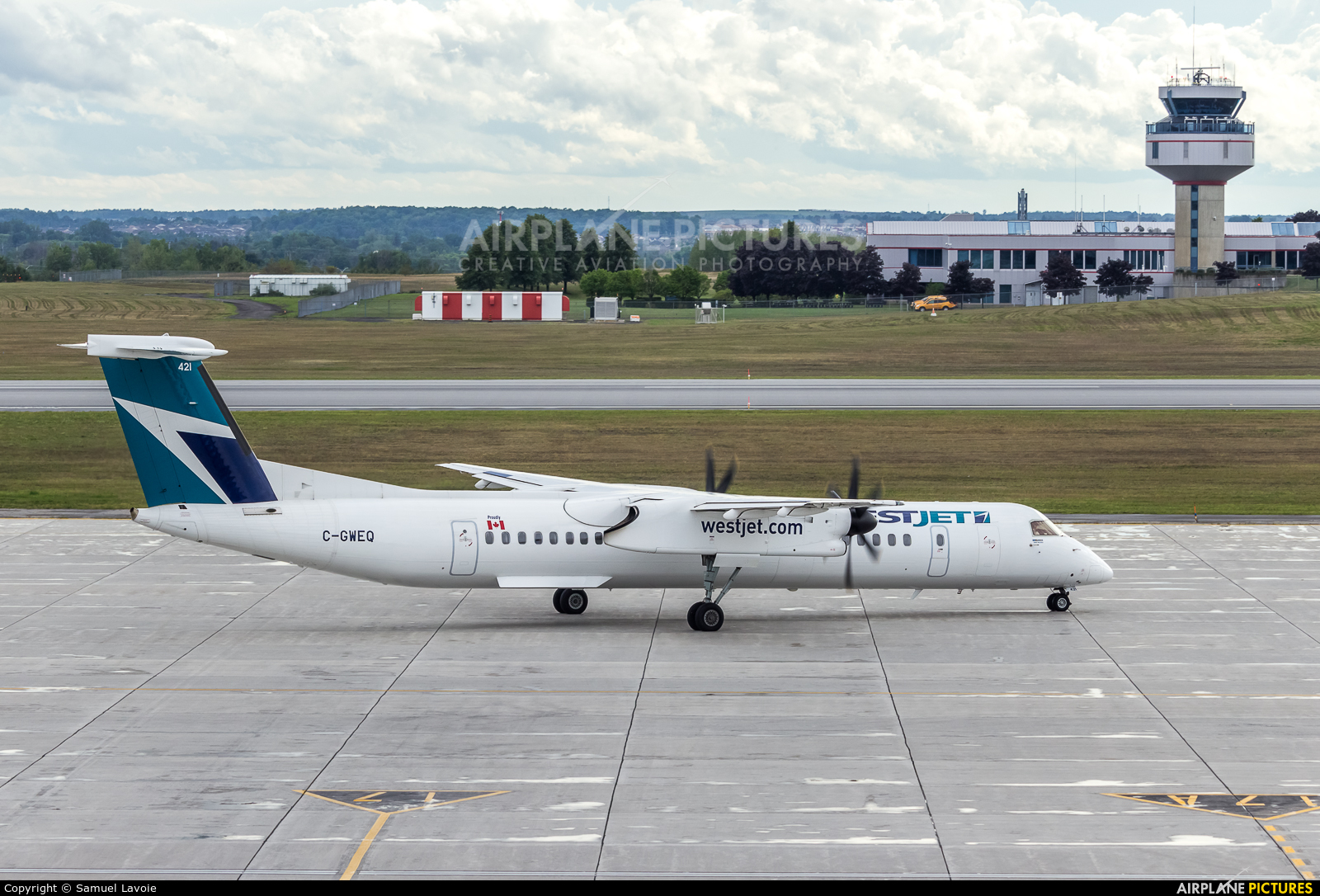 WestJet Encore C-GWEQ aircraft at Ottawa - Macdonald-Cartier Intl, ON