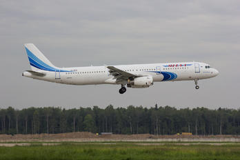 VQ-BSM - Yamal Airlines Airbus A321