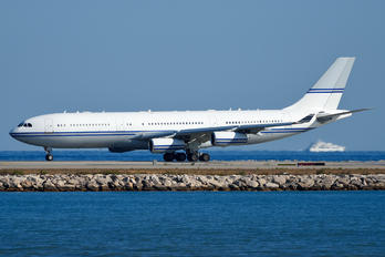 HZ-124 - Saudi Arabia - Government Airbus A340-200