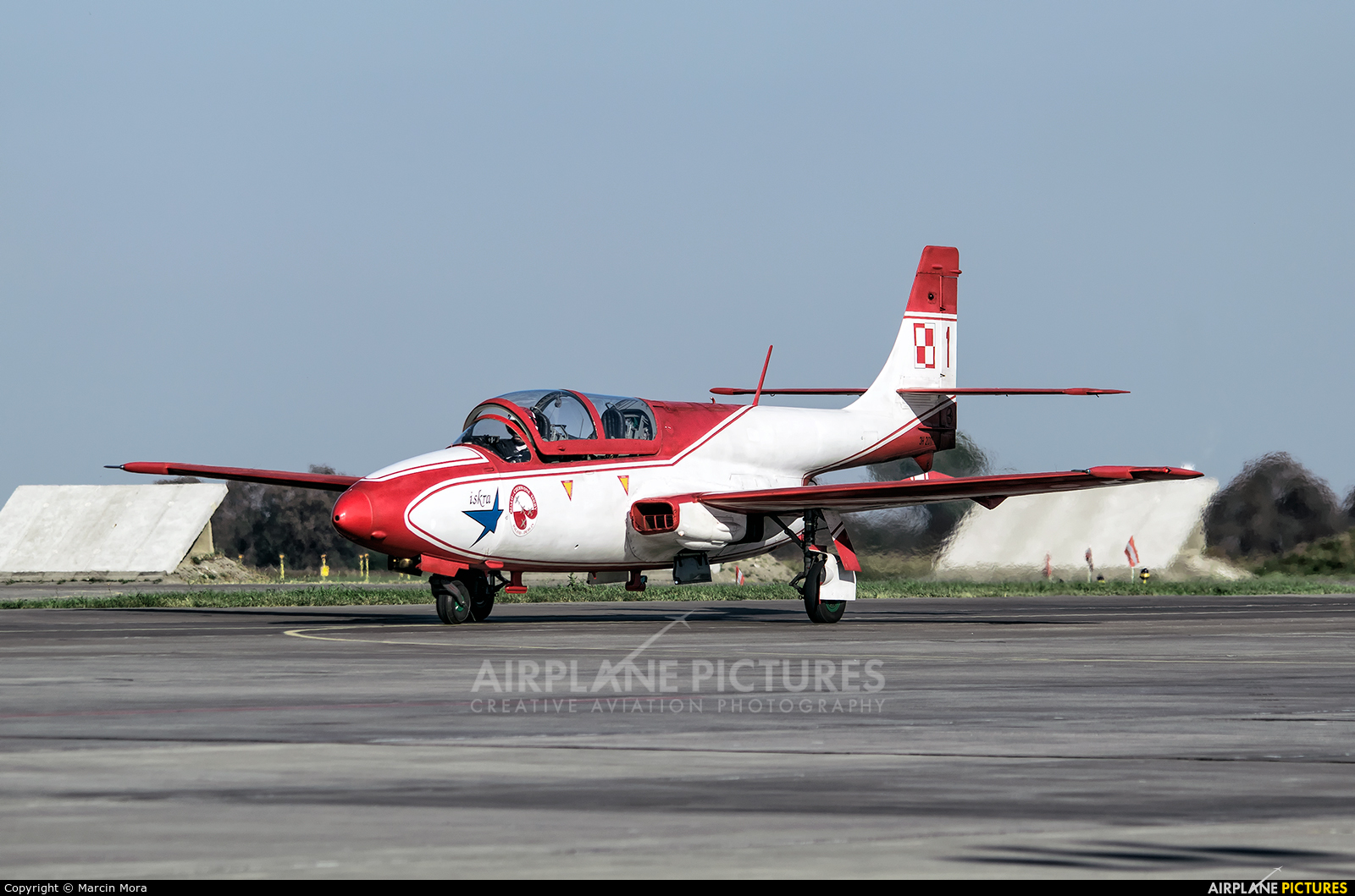 Poland - Air Force: White & Red Iskras 1 aircraft at Poznań - Krzesiny