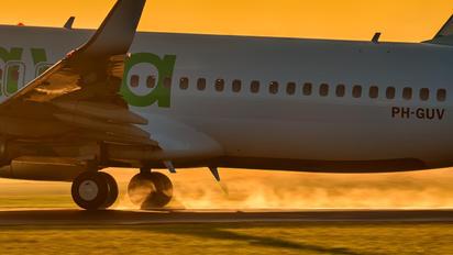 PH-GUV - GOL Transportes Aéreos  Boeing 737-800