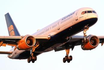 TF-LLX - Icelandair Boeing 757-200